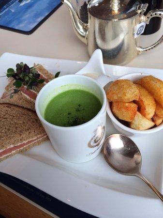HMY Britannia: Lovely lunch