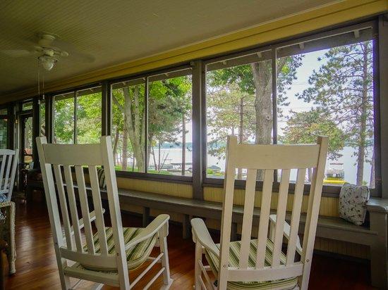 Lake Ripley Lodge Bed & Breakfast: Serenity at Lake Ripley Lodge