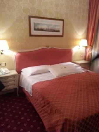 Hotel Antiche Figure : Habitación doble. Vista interior Diviiiiiiiiina