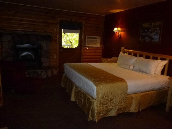 Kohl's Ranch Lodge: Studio - room 102