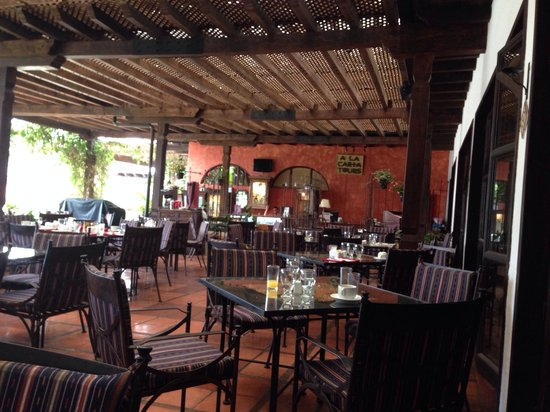 Porta Hotel Antigua: Lovely restaurant - Great service!