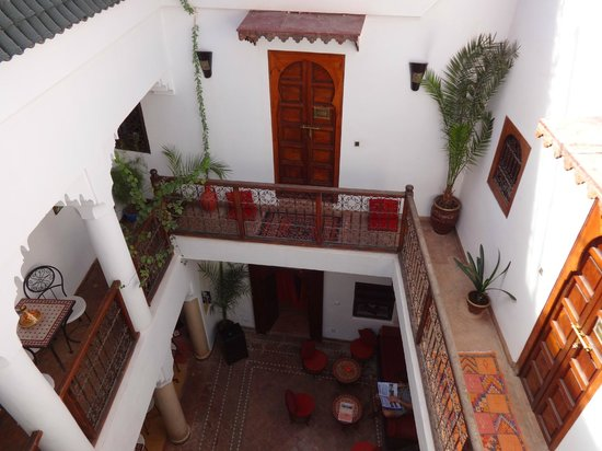 Riad Dar Saba: View into the Riad from the roof terrace