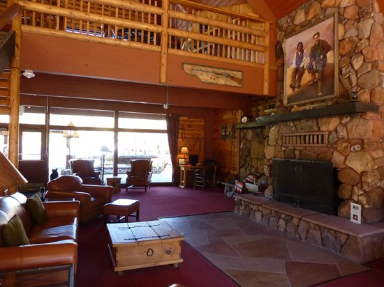 Kohl's Ranch Lodge: Reception area