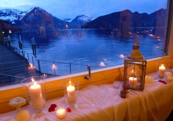 Hotel Terrasse Am See : Aussicht vom ovalen Saal Richtung Brunnen