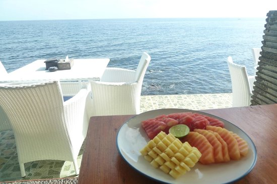 Matahari Tulamben Resort, Dive & SPA: Breakfast with ocean view