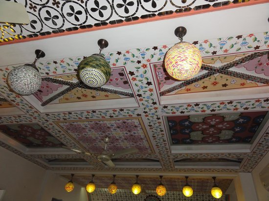 Nahargarh Haveli : dining room ceiling