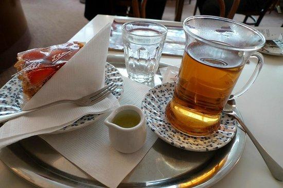 K.u.K. Hofzuckerbacker L. Heiner: Tea & cake at Heiner's. Delicious!