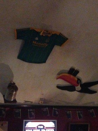 The Dubliner Irish Pub: Ceiling decoration