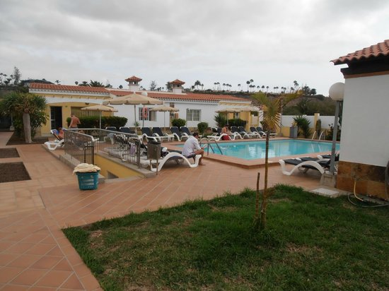 Villas Blancas: One of the two pools