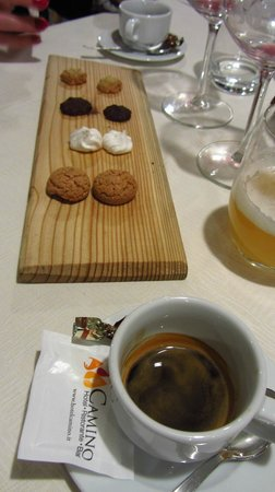 Ristorante Hotel Camino: Simple and nice sweets for the espresso.