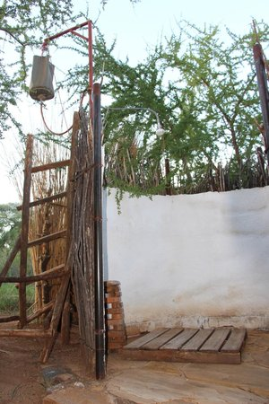 Naitolia Eco-Lodge : Shower