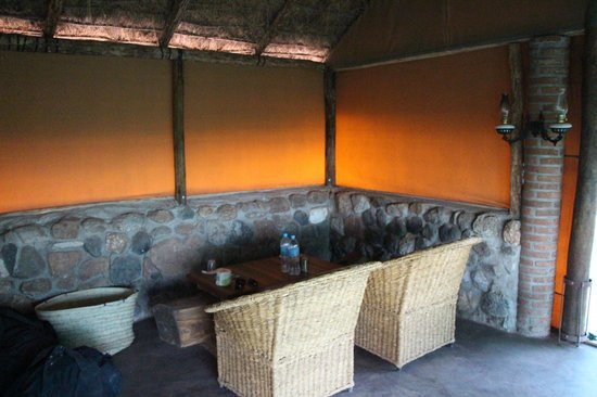 Naitolia Eco-Lodge : Sitting area in room