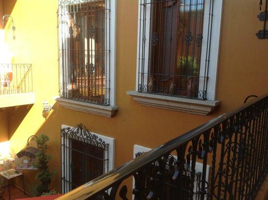 Hotel Boutique Parador San Miguel Oaxaca : Zaachila Suite windows overlooking courtyard