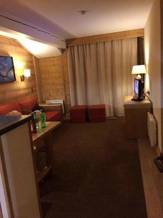 Pierre & Vacances Premium Résidence Les Chalets du Forum : Living Room