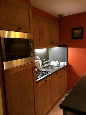 Pierre & Vacances Premium Résidence Les Chalets du Forum : Kitchen