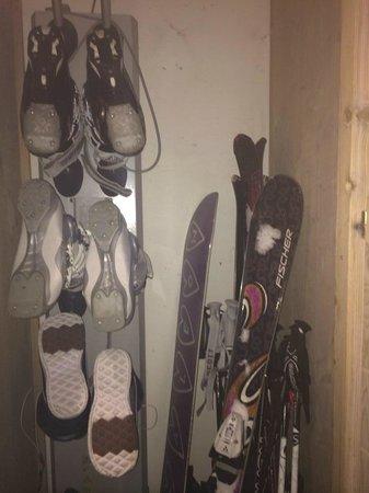 Pierre & Vacances Premium Résidence Les Chalets du Forum : Ski Locker