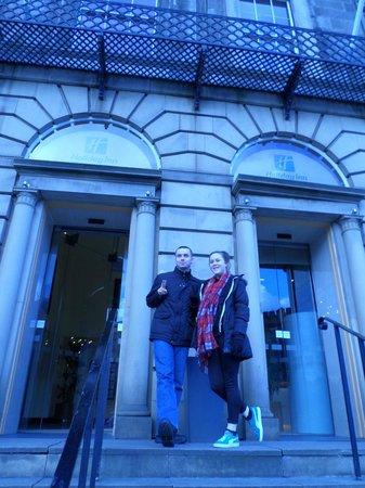 Holiday Inn Express - Edinburgh City Centre: outside the hotel