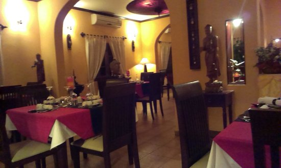 La Scala Fine Italian Boutique Restaurant : Restaurant Interior View 1