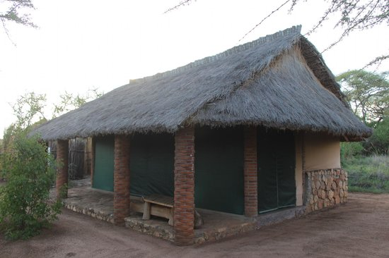 Naitolia Eco-Lodge : Lodge 1x king bed
