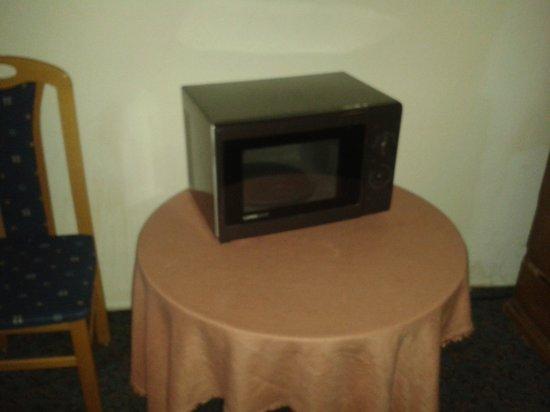 Hotel Raisch : Mikrowelle auf dem Flur