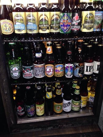 Riverhouse tavern: Biggest beer selection in town