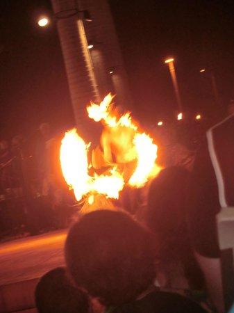 Te 'E'a O Te Turama Hula Halau: fire eater