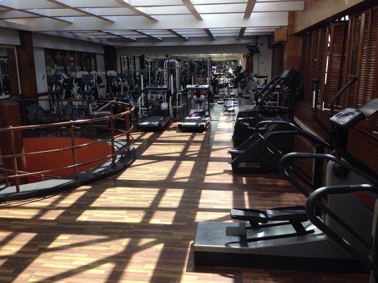Grand Tikal Futura Hotel: Gym at the hotel.
