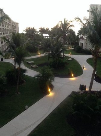 Dreams Riviera Cancun Resort & Spa: sunrise from our balcony, 1334