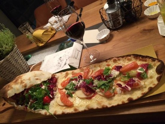 Palavrion zurich pizzadina rauchlachs apfelspalten meerrettich palavrion zurich offene küche