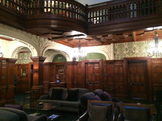 Woodlands Park Hotel: Main Lobby