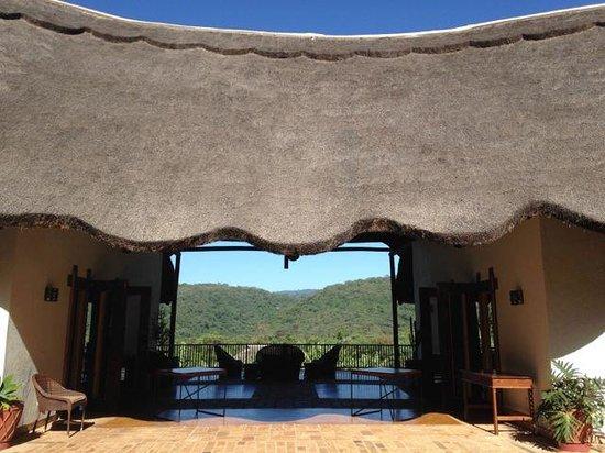 Kitela Lodge : view of main pavilion of lodge