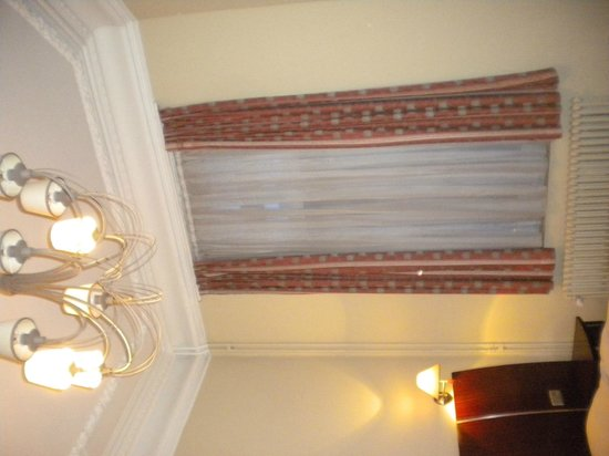 Hotel Villa Royale: the ceiling