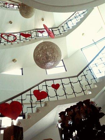 Lenox Hotel : Staircase