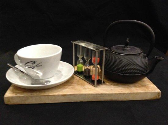 Caffe Venecia Ltd: CAFFE VENECIA TEA SET WITH TIMER