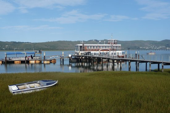 Knysna Hollow Country Estate: Visit the reserve by boat, very good!