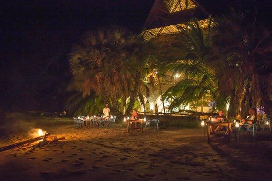 The Funzi Keys : Dinner at the beach