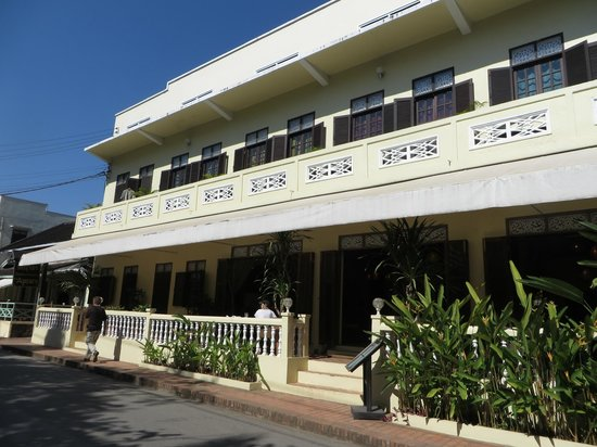 The Apsara: Front of the Hotel