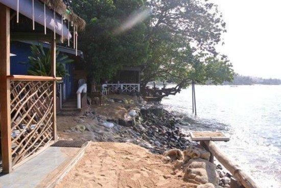 Full Moon Beach Resort: questa sarebbe la spiaggia !!!!