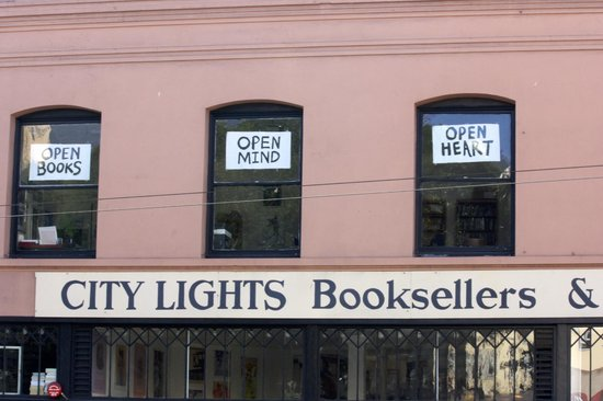 City Lights Booksellers: City Lights