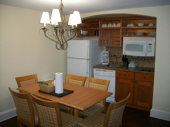 Wyndham Riverside Suites: Nice kitchen