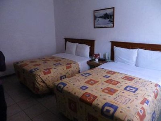 Hotel Camba: Two queen beds