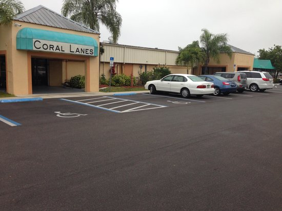 Bowland Coral Lanes : This is the real BOWLAND Cape Coral.