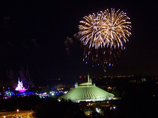 Walt Disney World: Magic Kingdom fireworks as seen from Bay Lake Towers