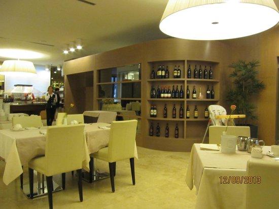 Laguna Palace Hotel: Завтрак