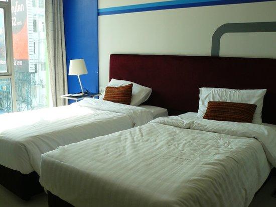 FX Hotel Metrolink Makkasan: bedden