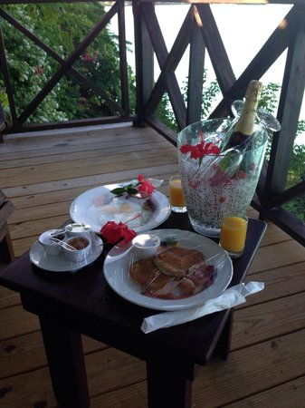 COCOS Hotel Antigua: Breakfast on the balcony of our bedroom