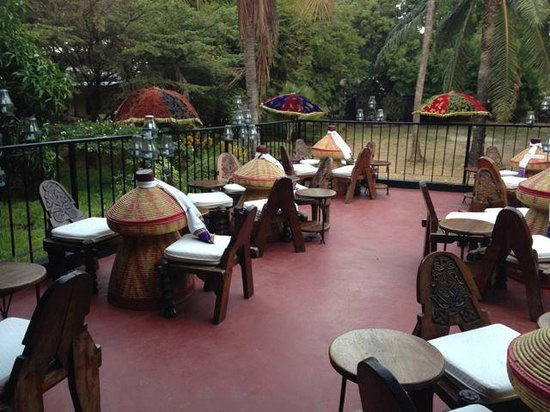 Addis in Dar : outdoor seating in the heart of the plaka!