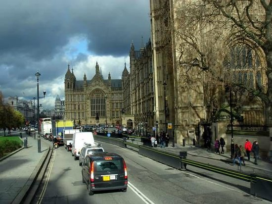 The Original London Sightseeing Tour : Nuages noirs