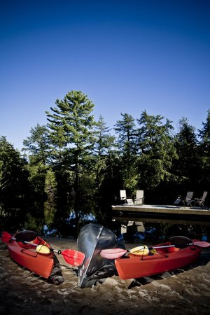 Rosseau's Northern Landing Bed and Breakfast: Water Front