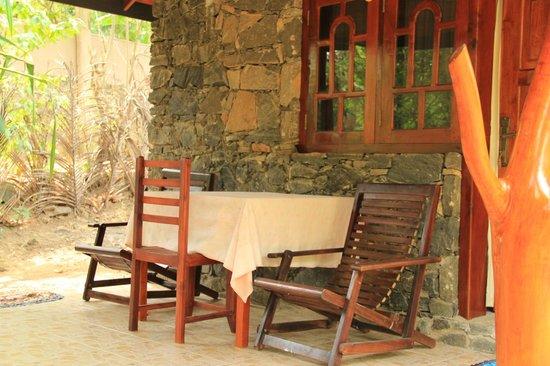 Green Garden Cabanas & Resort : веранда